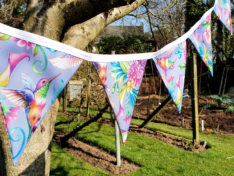 pretty hummingbird bunting for outside.